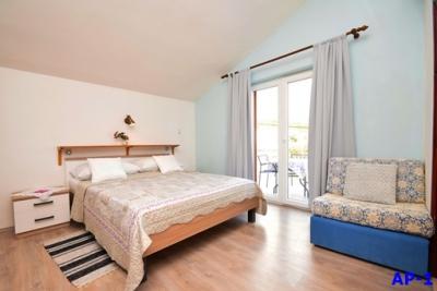 Mira Apartmanok, Starigrad-Paklenica