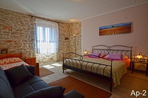 Stone House Apartmanok, Bale